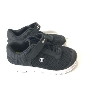 Champion boys sneakers black 11.5